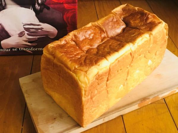高級食パン専門店「恋が愛に変わるとき」の無償の愛(プレーン)