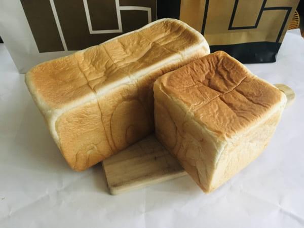 最高級食パン専門店「い志かわ」の2種類の食パン