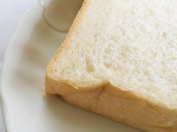 最高級食パン専門店「い志かわ」の「特水 極美」は、外側の焼き色が違う・・・?