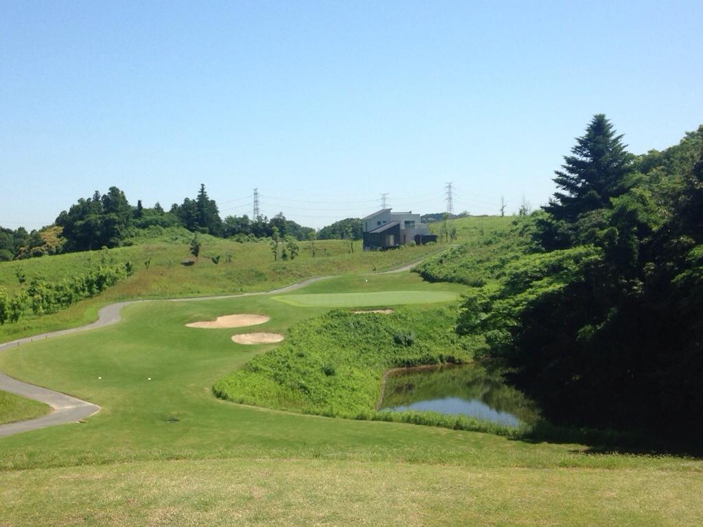 ブリストルヒルゴルフクラブ、超狭くて難しいと評判の邸宅付ゴルフ場でラウンド! 前半ハーフ編