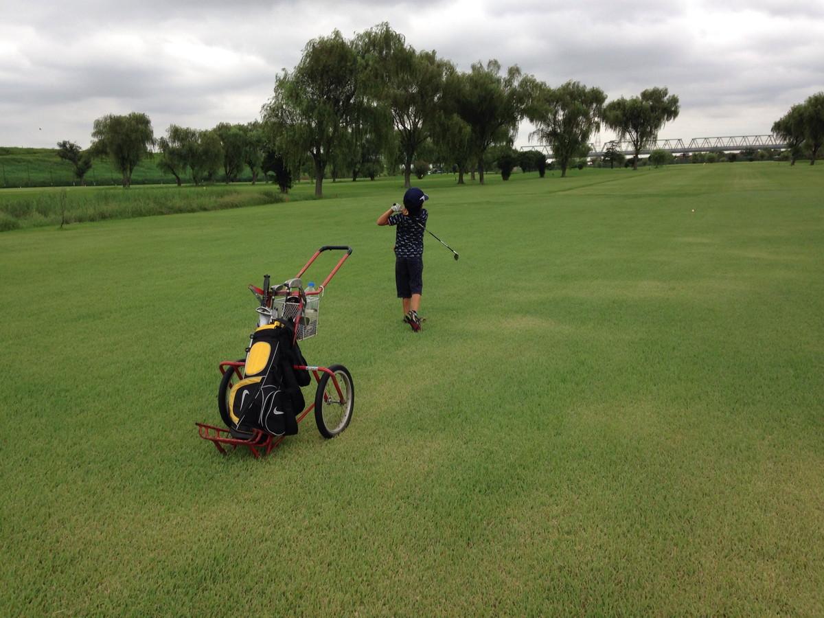 朝霞パブリックゴルフ場で子供とゴルフ|8歳の息子と本コースラウンドデビューしてきました