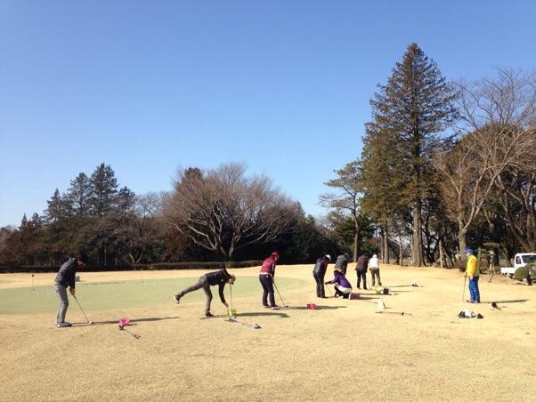 新東京ゴルフクラブでのラウンドレポ、天然芝でのアプローチ&バンカー猛練習編