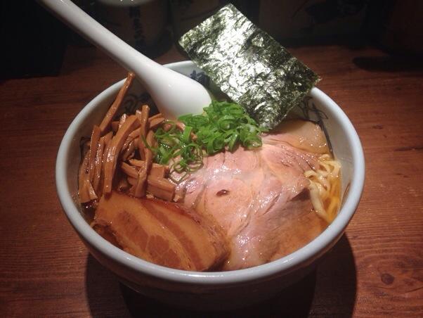 麺屋武蔵新宿本店 | 外国人の観光スポット、10年ぶりにラーメンブームを築いた超有名店を訪問したら驚きの光景でした