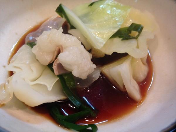 博多もつ幸 | 酢醤油で食べるもつ鍋はプリップリが際立ち超美味!カウンターで一人もつ鍋にも使えて、福岡出張の度に訪れること決定!