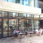 コナ・コーヒー・パーベイヤーズ | ワイキキインターナショナルマーケットプレイスにできたカフェで迎える朝、ハワイの風が気持ちいい~