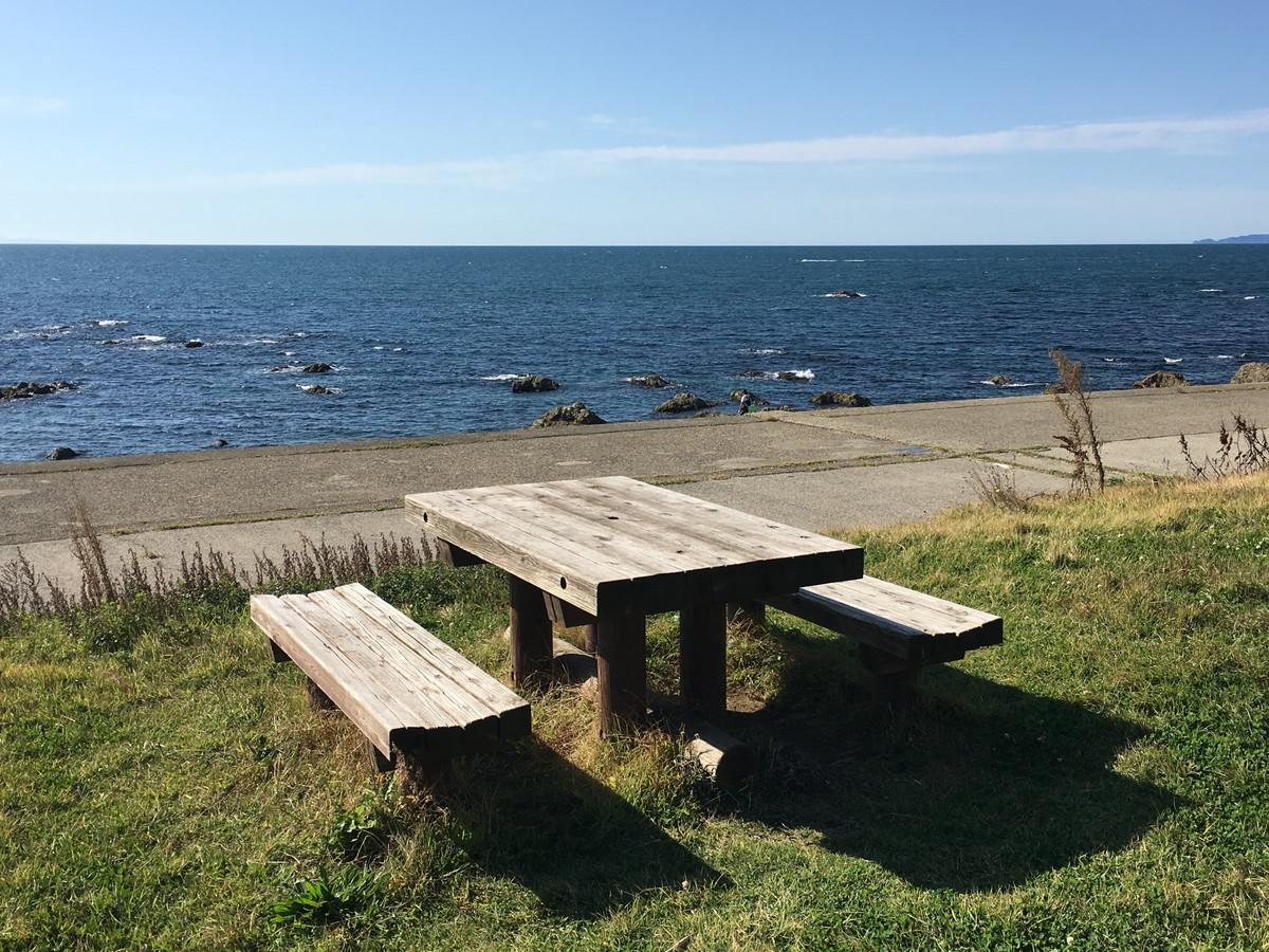 笹川流れ | フォトジェニックなスポットだらけ!紺碧の海とドライブが楽しすぎる新潟の観光名所
