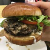 バーガーアンドシングス | ワイキキからわざわざ行きたい絶品ハンバーガー。僕の分析思考が吹っ飛びました!