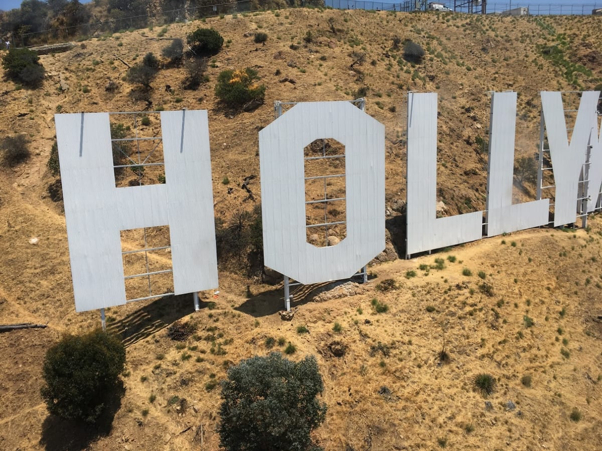 ヘリコプターでロサンゼルス観光│ハリウッドサインも真近に!時短で極上の旅行が味わえます!