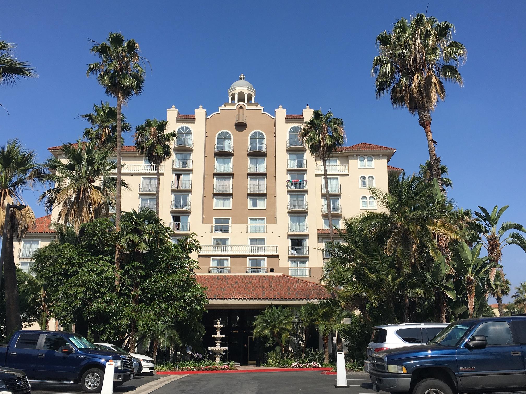 【口コミ】エンバシー・スイーツ バイ ヒルトン アーバイン | 大谷選手観戦やディズニーランドへの拠点となるホテル