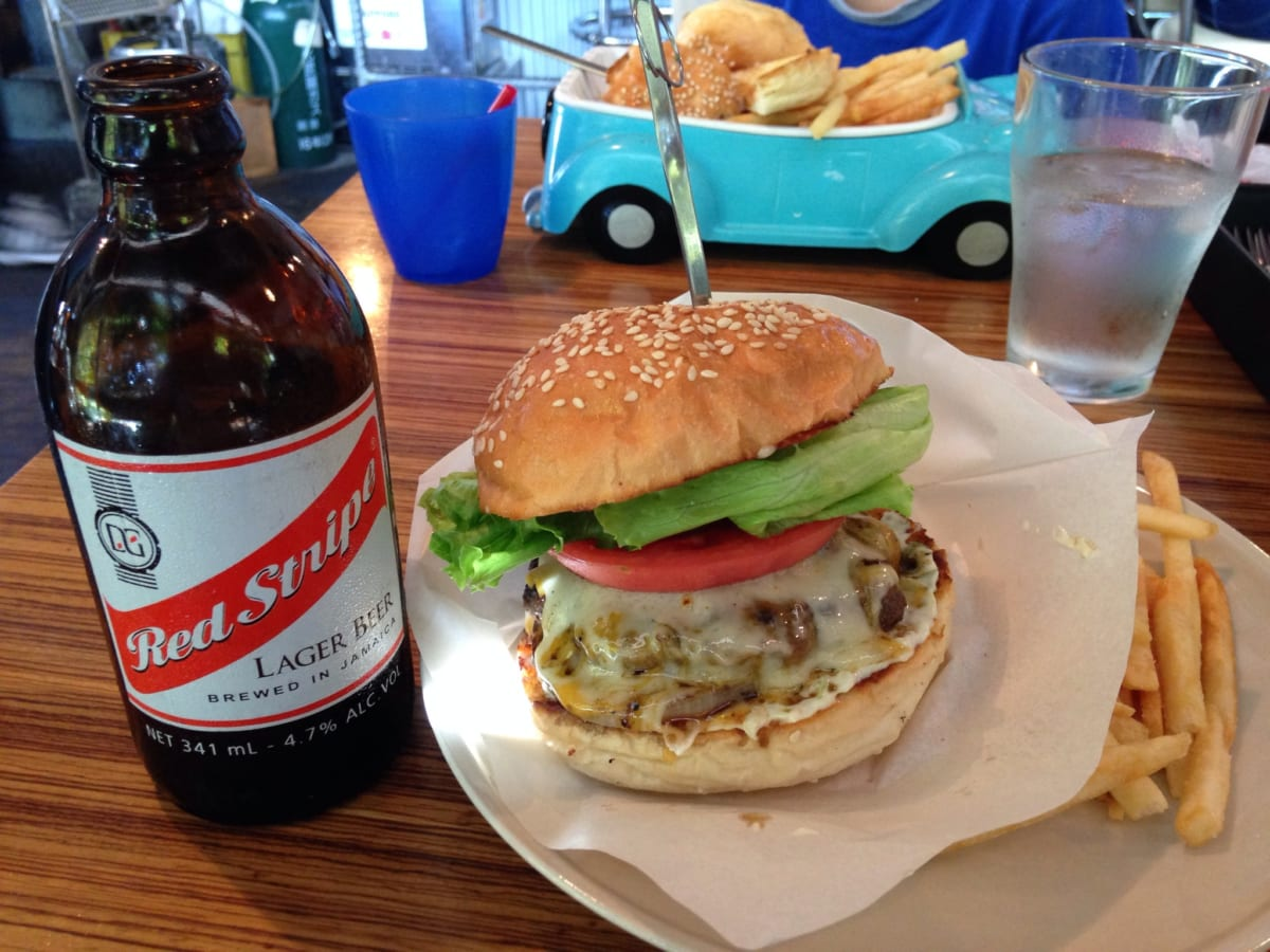ブッチャーズテーブル|大泉学園でハンバーガーとビールのランチ。映画の街にある、ずーっと語らいたくなるお店