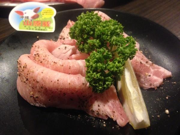 焼肉乃我那覇本店 | 沖縄名護の行列な焼肉屋、宮里藍さんや北海道日本ハムの選手も多数訪問で、リーズナブルで美味しかった!