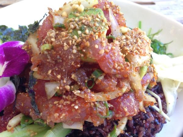 アヒポキ丼が隠れた逸品!アイランドヴィンテージコーヒー | ハワイで食べる丼は、ごま油と醤油の味付けがまさに日本人好み!