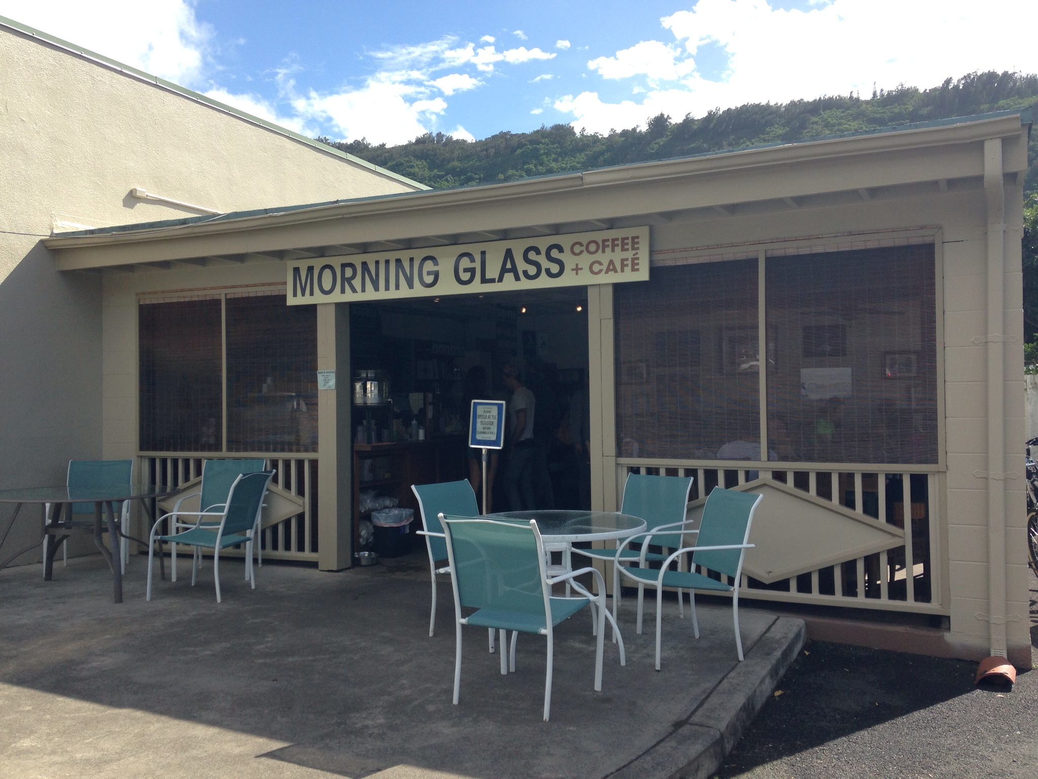 Morning Glass Coffee+Cafe | ハワイのマノアにあるカフェは、山に囲まれたおしゃれすぎるスポットでした・・・!