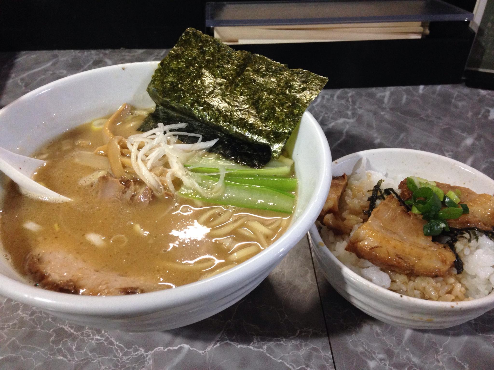 製麺Rabo、西新宿五丁目の絶品ラーメン屋は、食べ歩き史上No.1のモチモチ麺!リピーター入り確定です!