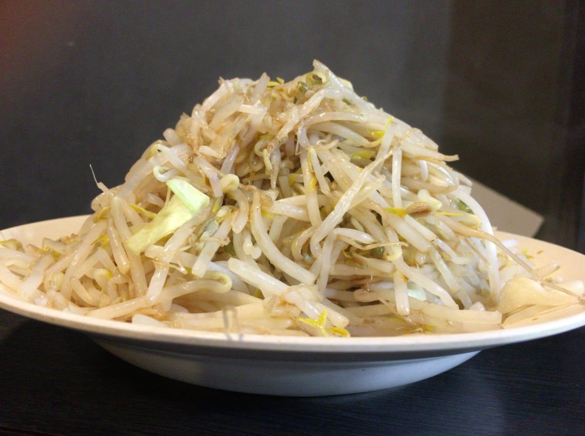 ダントツラーメン岡山一番店 | 野菜8倍増しを食べる裏ワザを紹介!「替え野菜」をラーメンで初体験して楽しかった