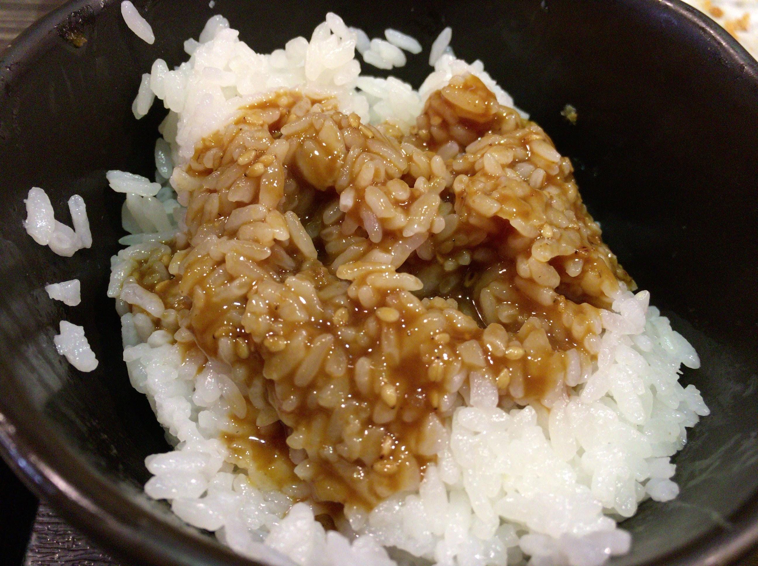 黒かつ亭 黒べぇ | 薩摩黒豚とんかつを鹿児島マラソンEXPOの合間に。ゴマ味噌タレで食べる白米と豚汁が止まらない!