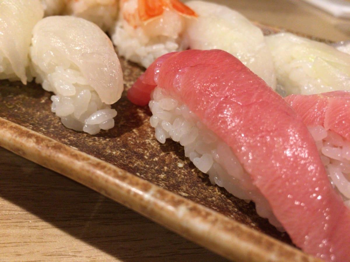 神楽坂すしアカデミー | 食べ放題のお寿司を子連れで訪問。スシロー くら寿司 より断然良コスパで堪能!