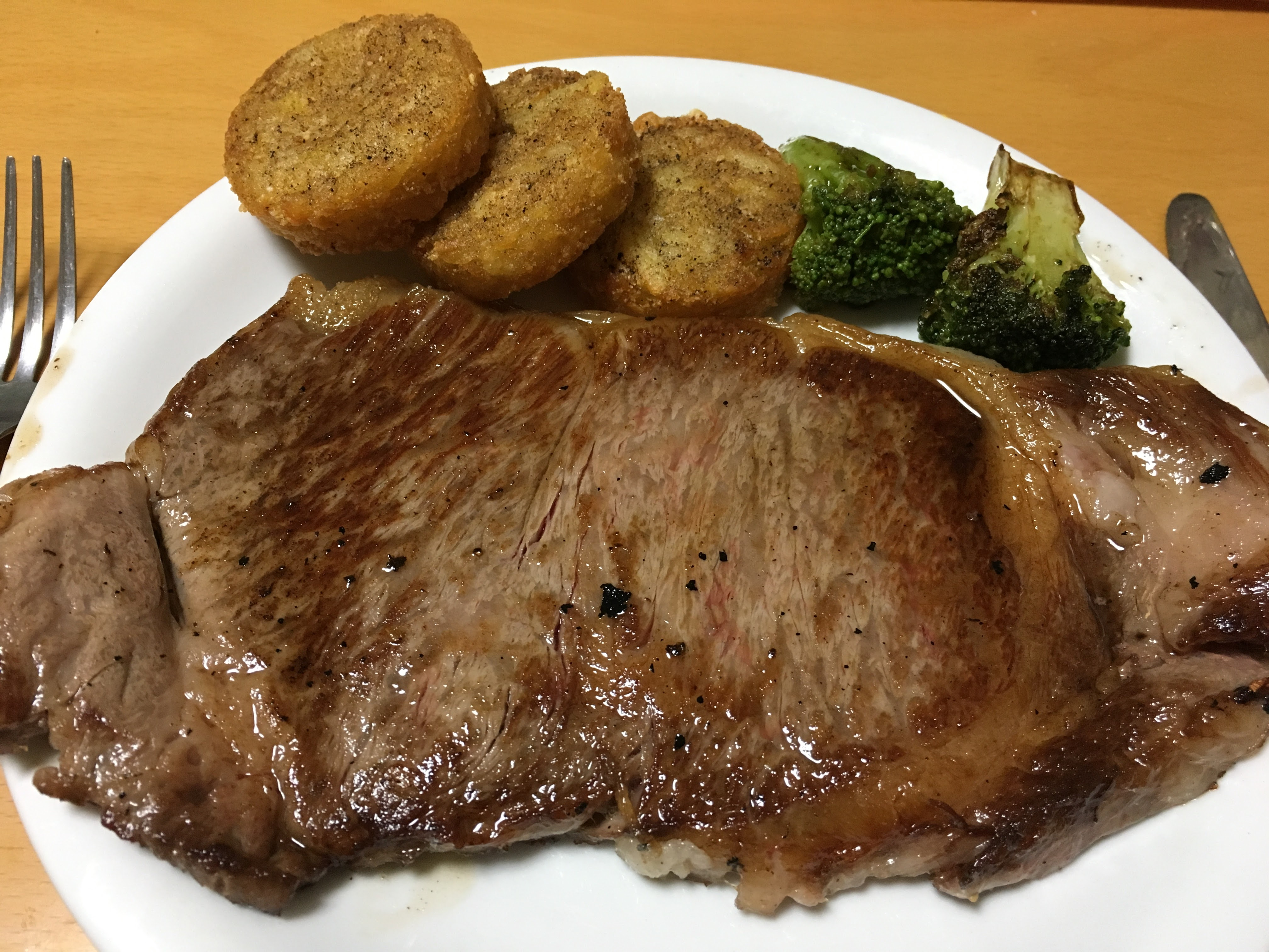 ふるさと納税「さとふる」で佐賀牛A5サーロインステーキを調達、嬉野市が家族団らんで幸せな夜をくれました
