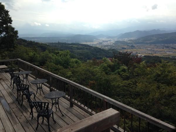 喫茶 風香&風の夢ギャラリー│信州・上田の絶景カフェは、真田丸観光の合間に訪れたいお店。信州の山々を鑑賞できます