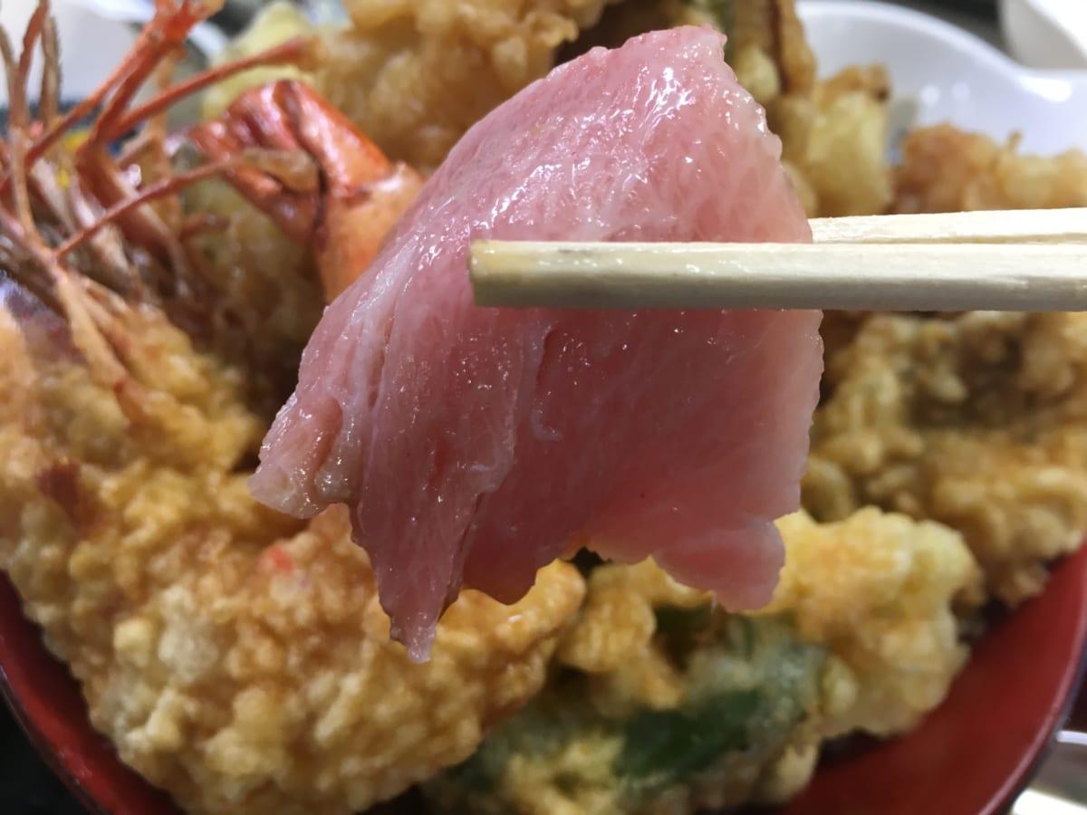 ばんや│九十九里で行列の「漁師がやってる本物のお店」へ、まぐろとでっかな天丼を大満喫!人数が多いほど楽しめます!