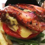 ホーミーズ(Homeys) | 高田馬場にて「女性客が7割」のハンバーガー専門店は、濃厚なチーズと漆黒のバンズが美味!