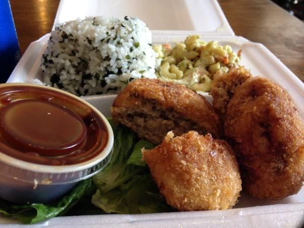 パイオニアサルーン、ホノルルで大人気の日本風ランチプレートを食す。ワイキキ中心街にあったら毎日通って制覇したくなる店でした!