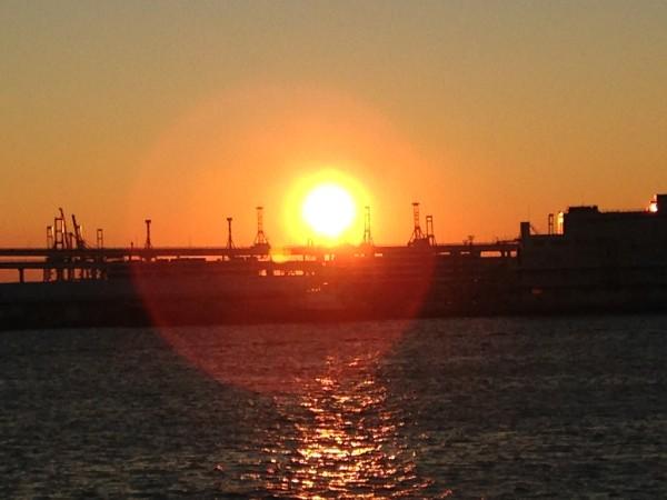 横浜港大さん橋で初日の出を鑑賞!ベイブリッジ越しのベスポジで朝日を拝むための5つのポイントをまとめました!