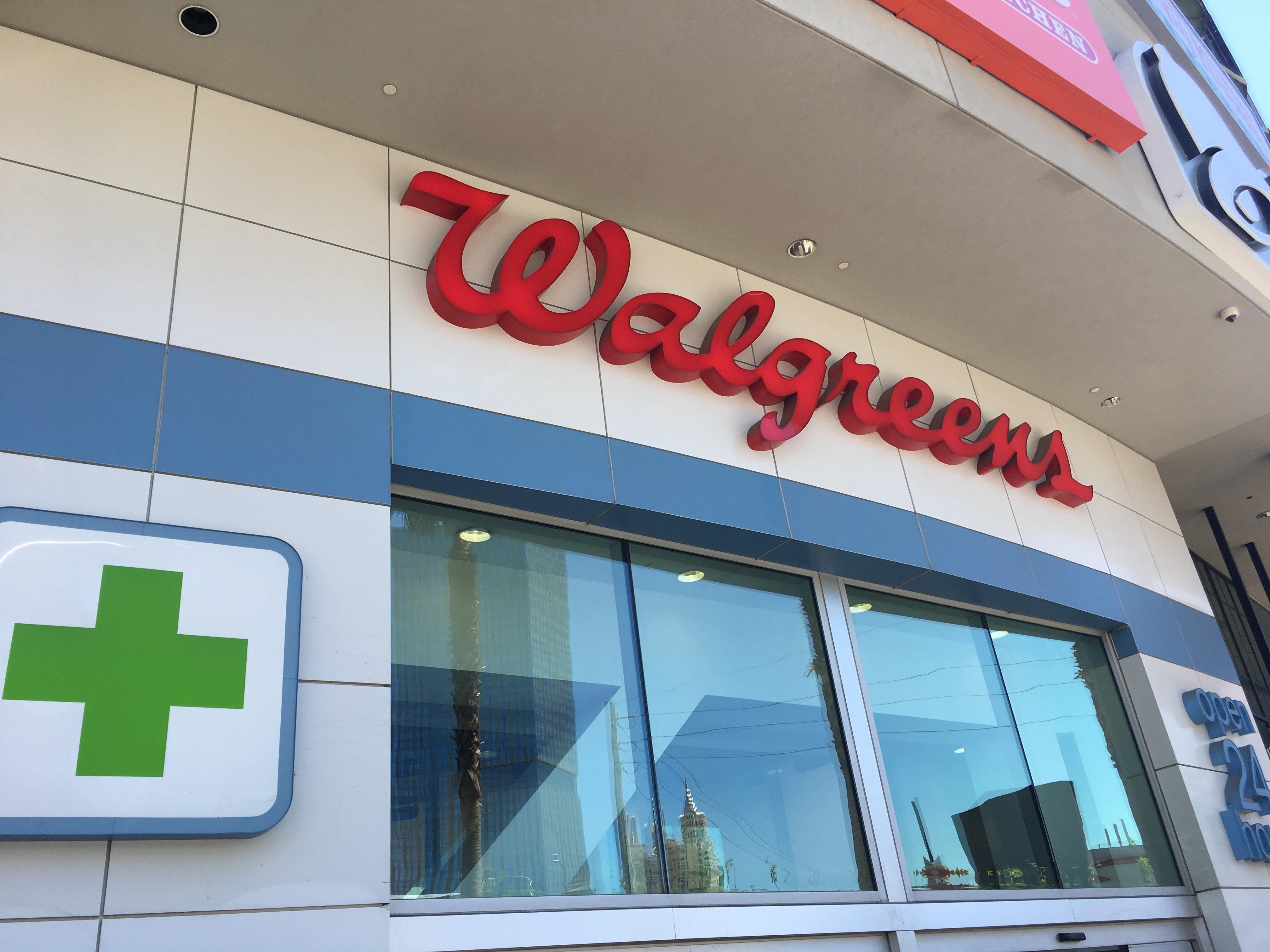Walgreens | ラスベガスで「ミネラルウォーター」「自撮り棒」「日用品」を調達するなら間違いなくココが重宝!