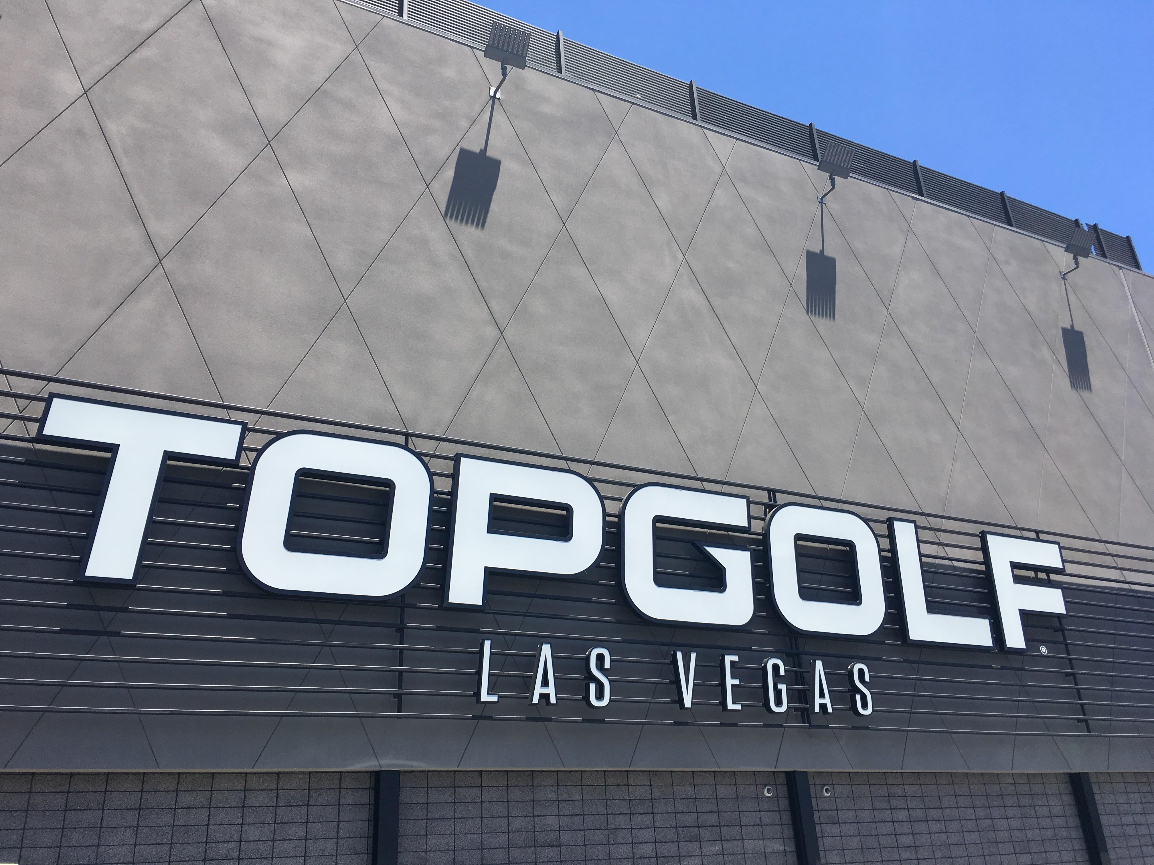 トップゴルフ(TOPGOLF) | ゴルフ練習場が根本から変わる!仲間や家族で楽しむレジャー施設は驚きだらけでした!