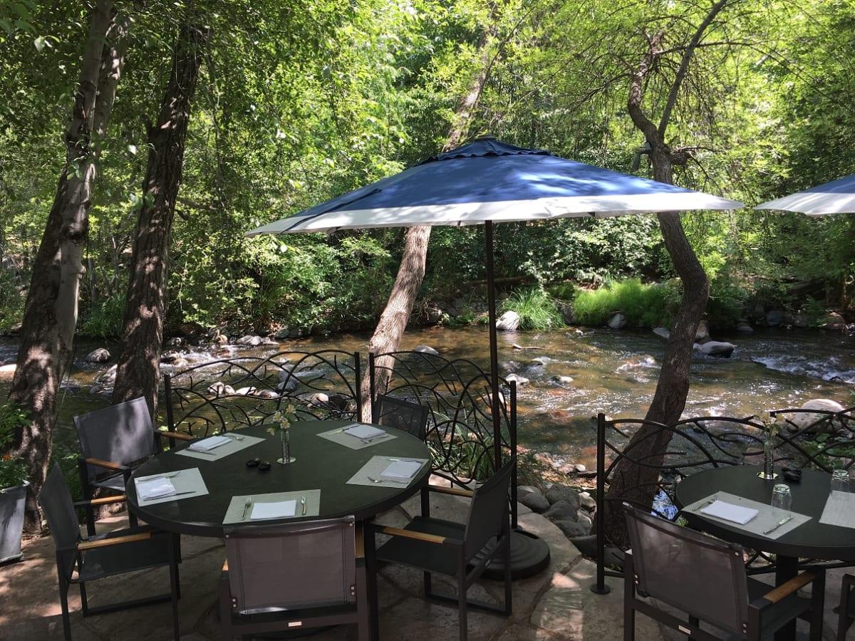 セドナ Etch Kitchen&Bar | ローベルジュ デ セドナでランチ オーククリークと森の【極上すぎる】マイナスイオンに感動!