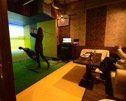 【埼玉県】DARTS&Dining GLEEN CAFE、埼玉県越谷市のダーツバー&ゴルフバーにGOLFZONを導入!