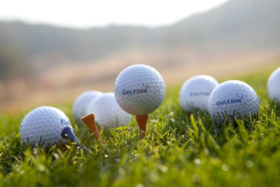 ゴルフに夢中な経済評論家の勝間和代さんが、シミュレーションゴルフGOLFZONに夢中です♪