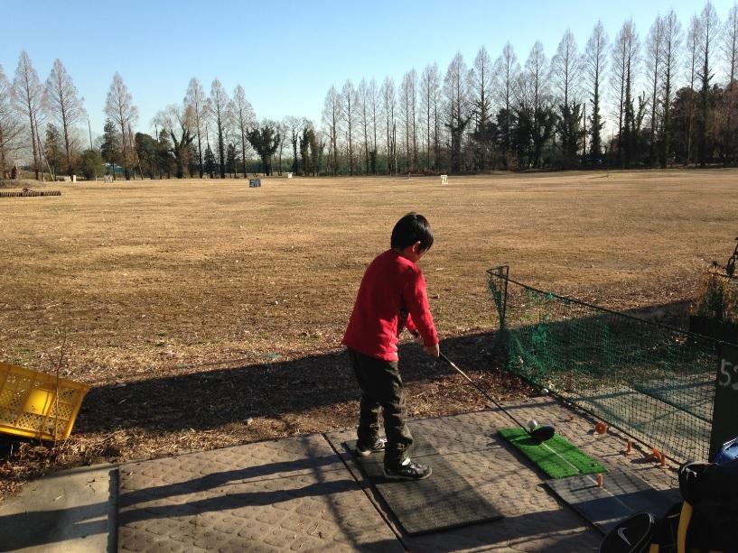 上江橋ゴルフ練習場【口コミ】ショートコースでグリーンこぼれのアプローチの練習 練習場編